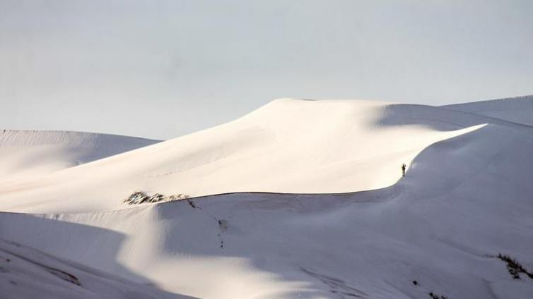 震惊 | 全世界最热的撒哈拉沙漠下雪了,40 年来第三次