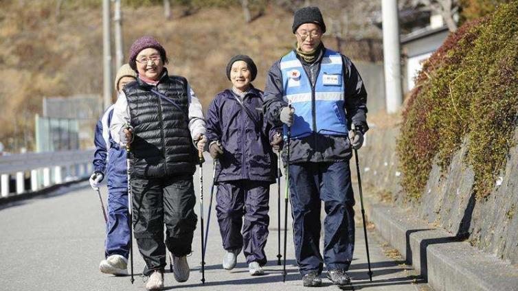 """海外观察丨老龄化最严重的日本 如何做到""""老有所养"""""""